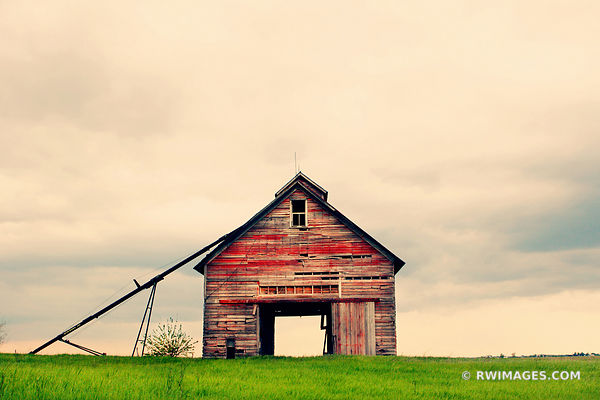OPEN HOUSE | CENTRAL ILLINOIS PRAIRIE ABANDONED OLD FARM BUILDING