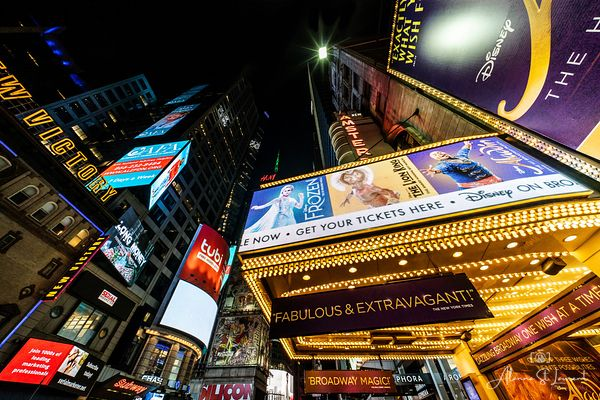 NYC_Times_Square_Theatre