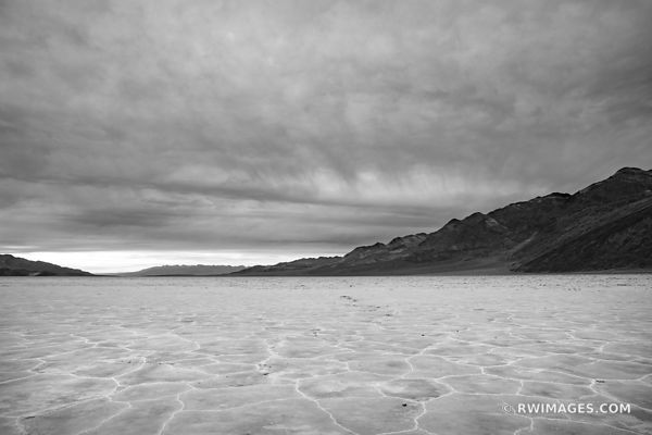 BADWATER BASIN SALT FLATS EVENING DEATH VALLEY CALIFORNIA AMERICAN SOUTHWEST DESERT BLACK AND WHITE LANDSCAPE