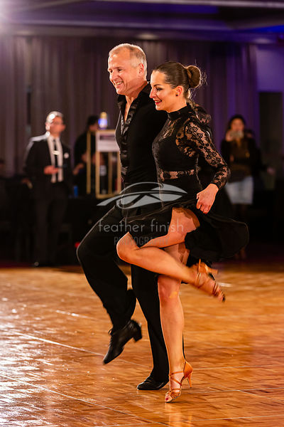 Masters 1 Couples Latin