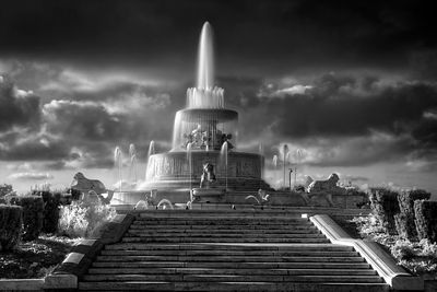 scott-fountain-base-of-steps_BW-Infared_