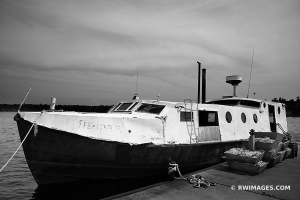 OLD FISHING BOAT WASHINGTON ISLAND DOOR COUNTY WISCONSIN BLACK AND WHITE