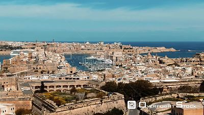 Aerial pull out view of the towns of Vittoriosa and Valletta and the entrance of the Grand Harbour in Malta