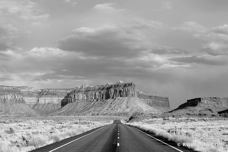 ROAD THROUGH THE NEEDLES DISTRICT CANYONLANDS NATIONAL PARK UTAH BLACK AND WHITE