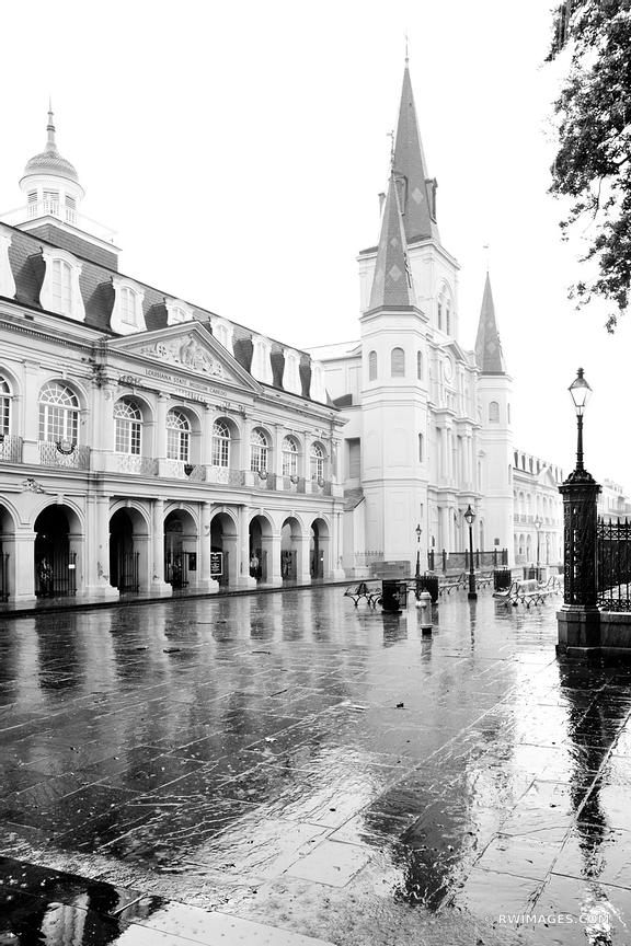 LOUISIANA STATE MUSEUM CABILDO BUILDIUNG JACKSON SQUARE RAINY DAY FRENCH QUARTER NEW ORLEANS BLACK AND WHITE VERTICAL