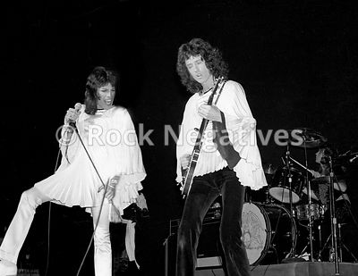 JH_QUEEN_19740507_NYC_URISTHEATRE_35mm_Negatives-Mott_the_Hoople_and_Queen-019_copy