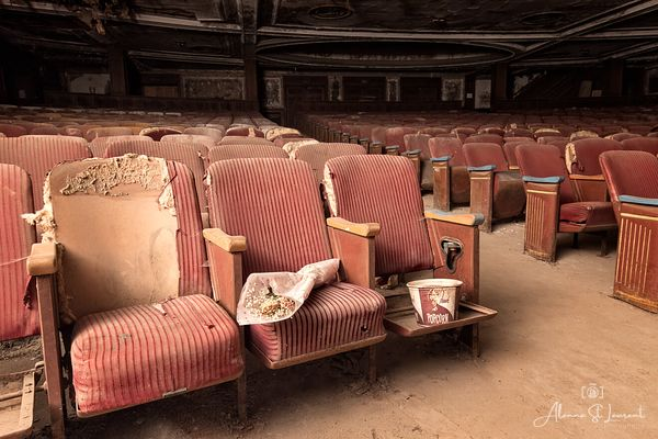 Massachusetts_Victory_Theatre_Seats