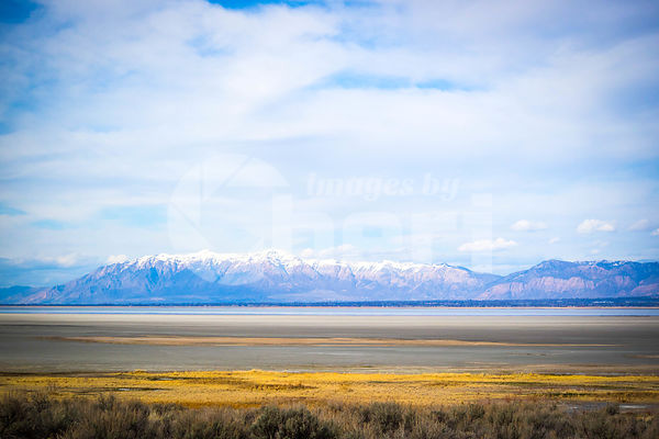 A beautiful view of the mountain landscape in Antelope Island State Park, Utah