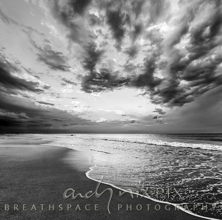 Beach sea and sky, Black and White