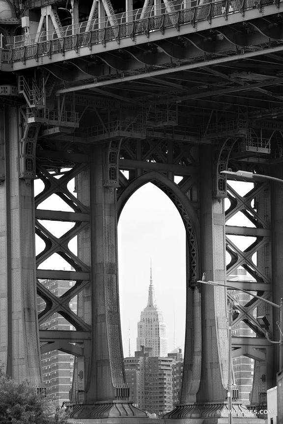 DUMBO MANHATTAN BRIDGE BROOKLYN BROOKLYN NEW YORK BLACK AND WHITE VERTICAL