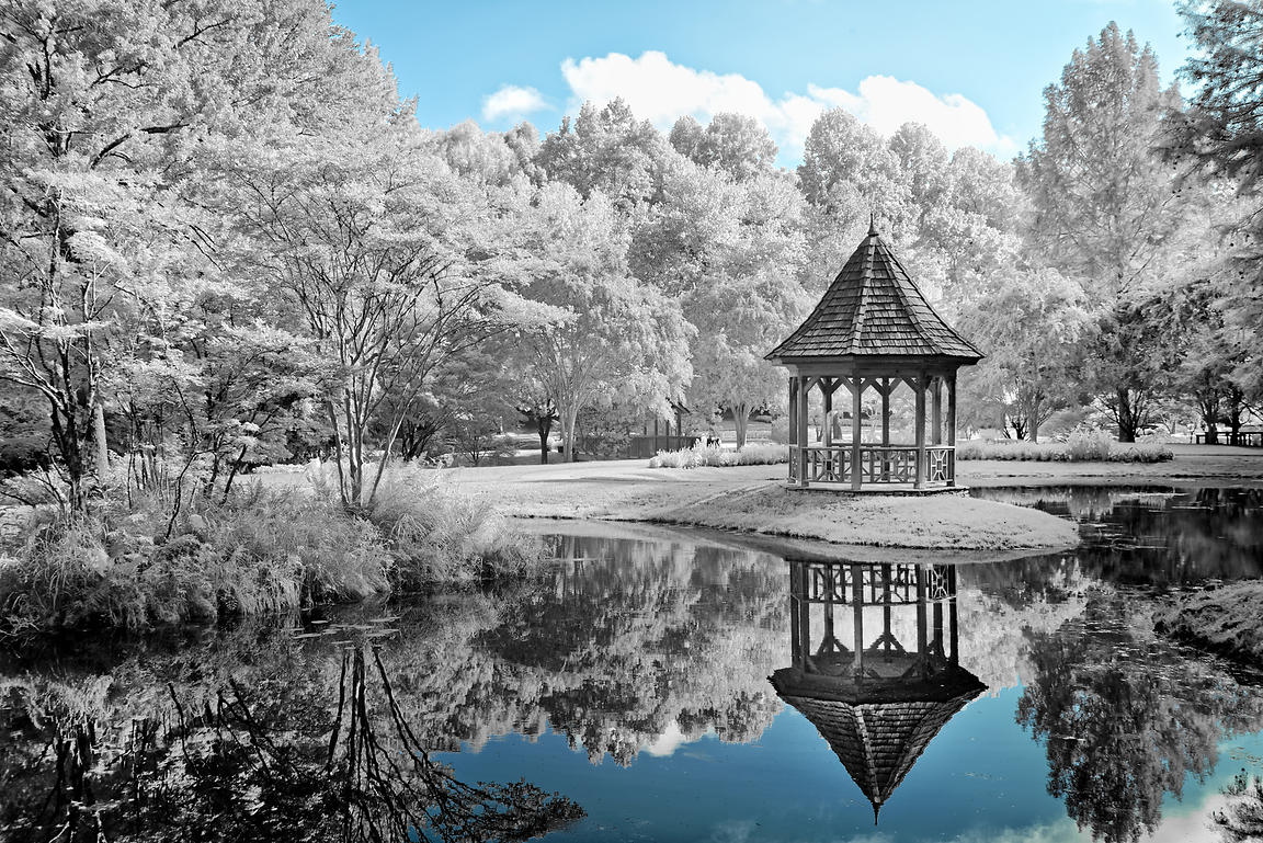 IR-22_Gazebo Reflection