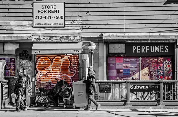 NYC_Street_Selective_Color_Men_Store