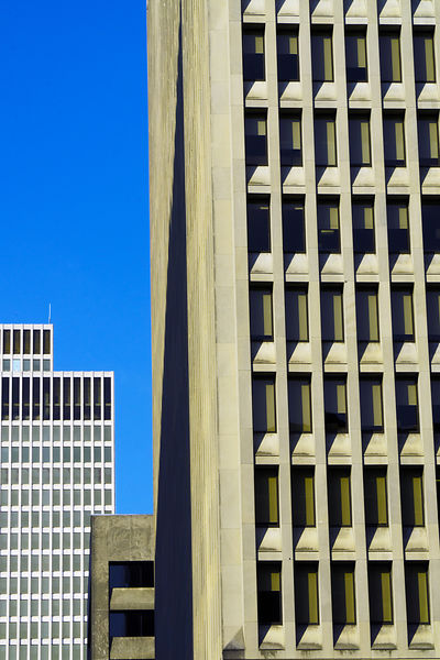Buildings_lined_up