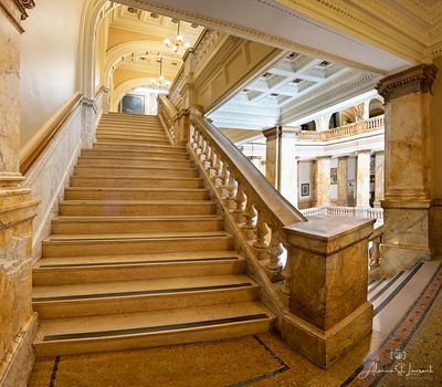 Milwaukee_Public_Library_Staircase