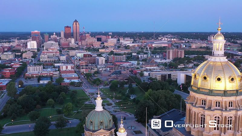 Gold Dome and City Skyline, Des Moines, Iowa, USA
