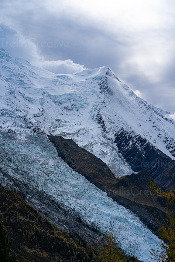 Rough weather conditions over the Mont Blanc peak and glacier