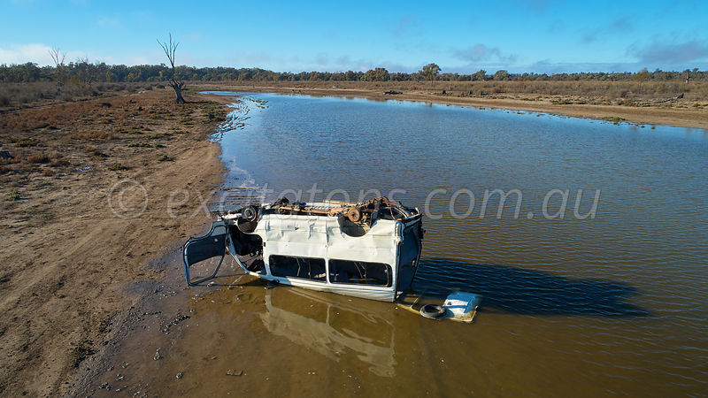 Dumped vehicle, Catfish Billabon, Merbein, Australia