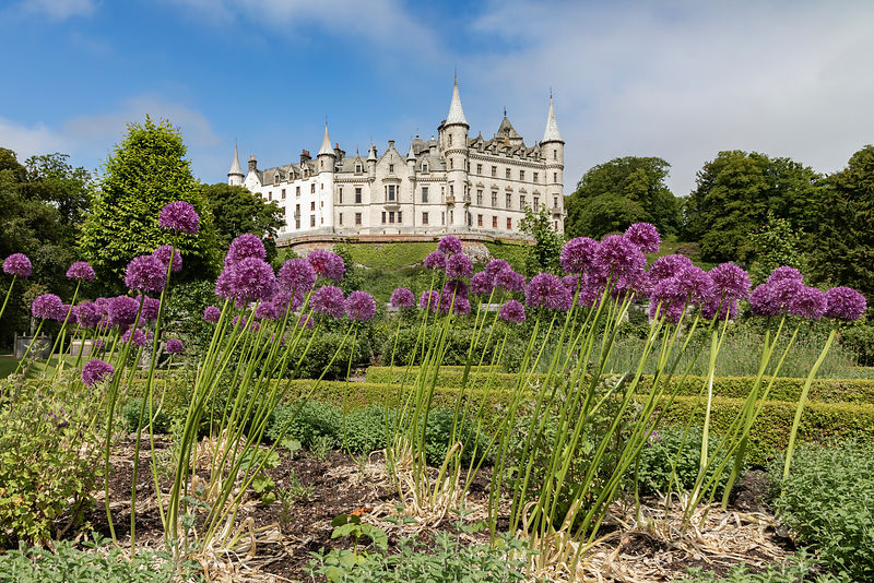 Dunrobin Castle from the Gardens