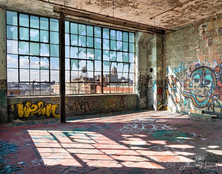 Fisher_Body_Plant_Corner_with_Graffiti