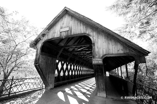 WOODSTOCK MIDDLE BRIDGE VERMONT COVERED BRIDGE BLACK AND WHITE