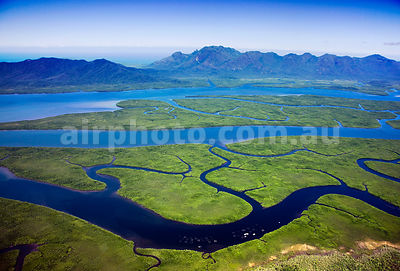 Hinchinbrook_Is_48777