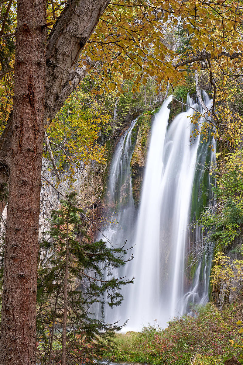 Little_Spearfish_Falls_Foliage