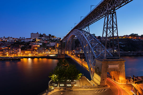 View of the Ponte Luis 1 Bridge which Joins Gaia and Ribeira at Dawn