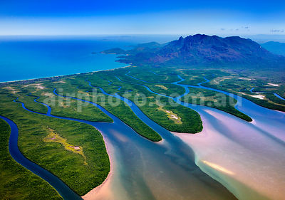 Hinchinbrook_Is_48785