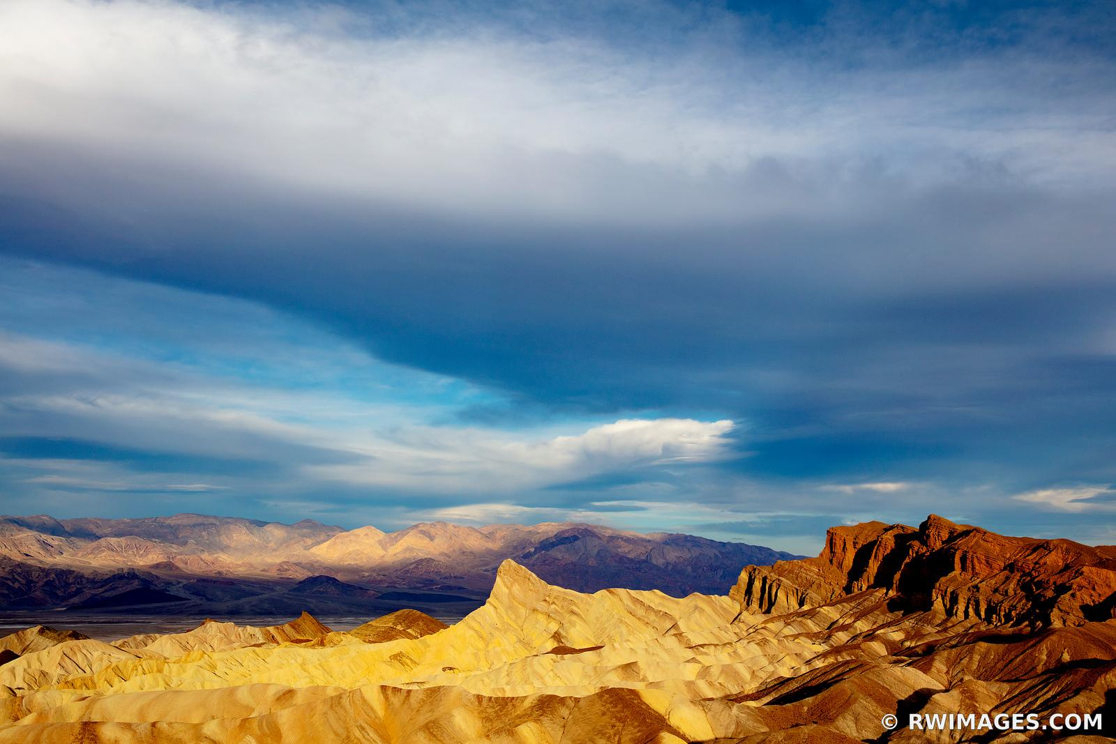 ZABRISKIE POINT SUNRISE DEATH VALLEY CALIFORNIA
