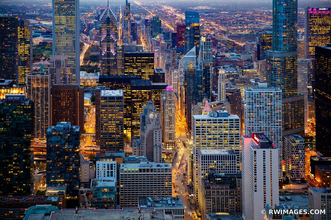 MICHIGAN AVENUE CHICAGO EVENING BLUE HOUR CITY LIGHTS CHICAGO DOWNTOWN AERIAL VIEW CHICAGO ILLINOIS