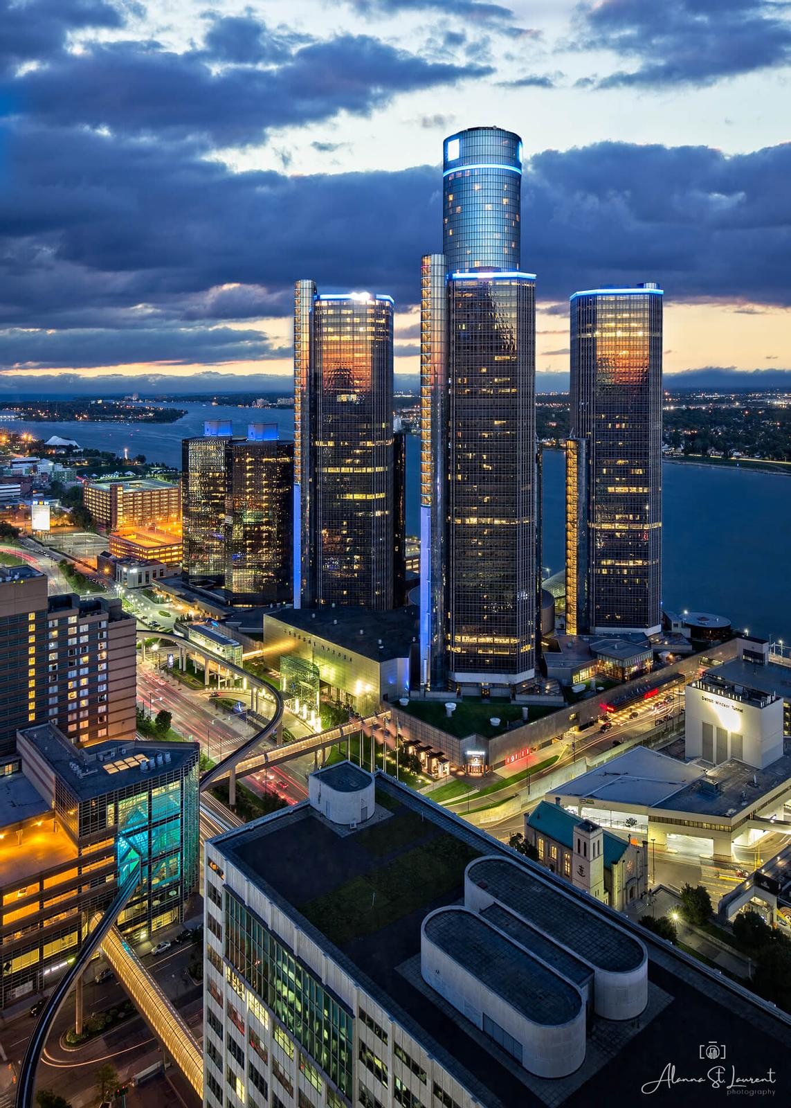 Ren_Cen_from_One_Detroit_Sunset_20x30