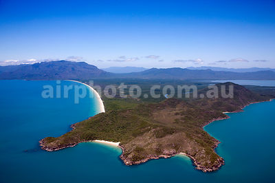 Hinchinbrook_Is_48932
