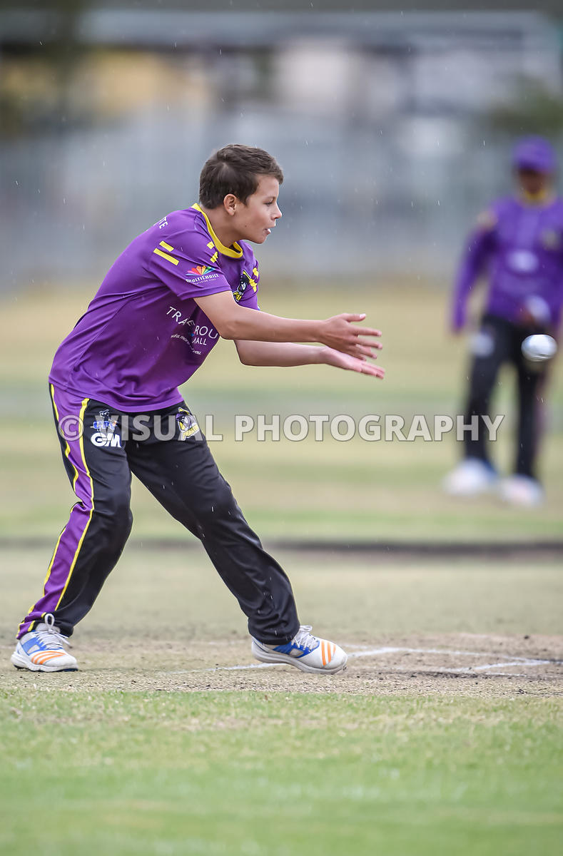 Under 13 knockout round - Pirates - Vs - Vikings - Durbanville Cricket Club .
