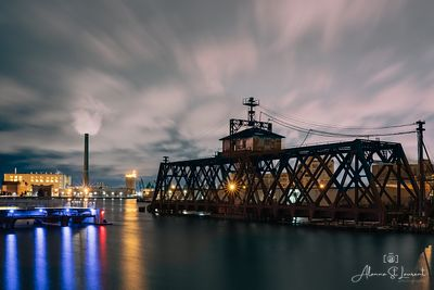 Milwaukee_Trestle_Bridge_Night