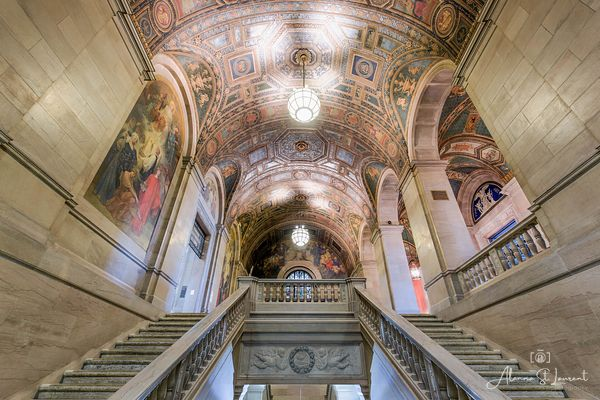 Detroit_Public_Library_Staircase_2