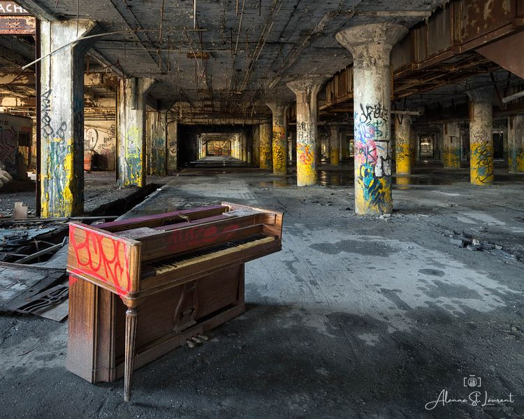 Fisher_Body_Plant_Piano