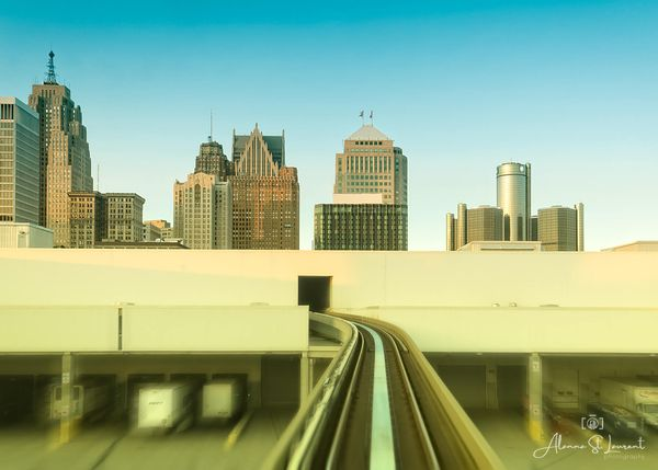 People_Mover_Detroit_Skyline