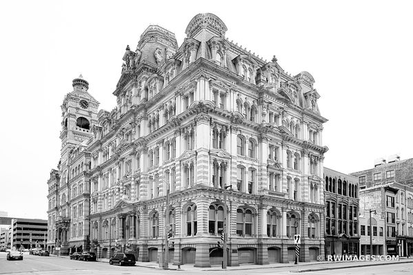 THE MITCHELL BUILDING DOWNTOWN MILWAUKEE WISCONSIN HISTORIC ARCHITECTURE LANDMARK BLACK AND WHITE