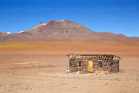 Stone hut at Hito Cajon border crossing, Eduardo Avaroa Andean Fauna National Reserve, Bolivia