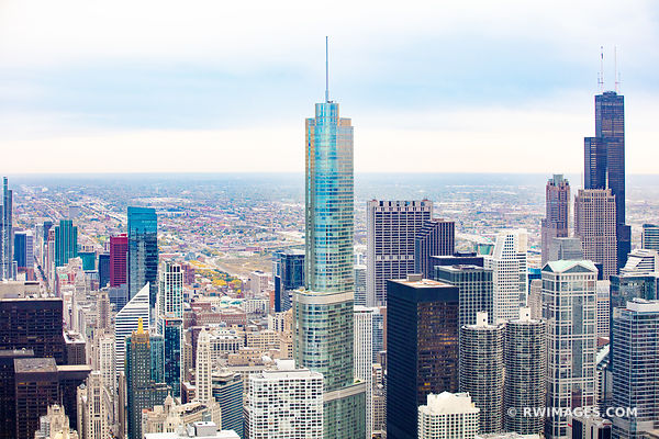 SEARS WILLIS TOWER AND TRUMP TOWER CHICAGO DOWNTOWN AERIAL VIEW CHICAGO ILLINOIS
