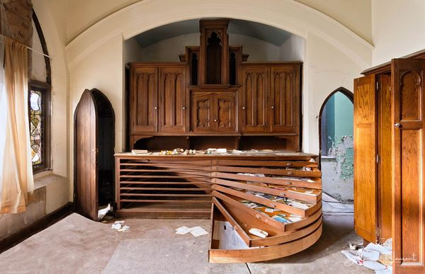 Woods_Cathedral_Circular_Drawers