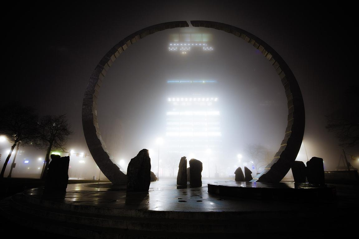 transcending-in-fog_hart-Plaza_bryan-levy-photogrphy-IMG_1510