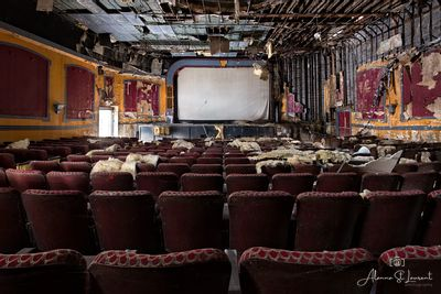 New_York_Abandoned_Theatre