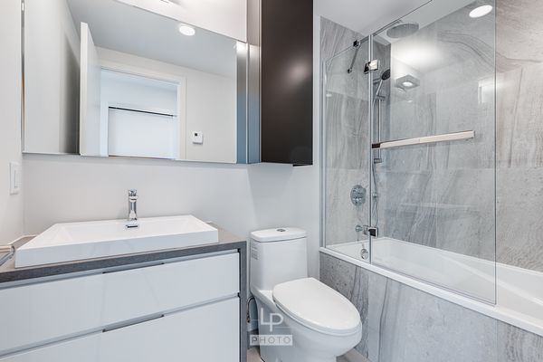 Modern bathroom in a new condo in Montreal