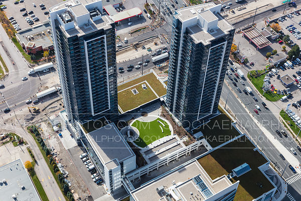 Centro Square Condominiums, Woodbridge