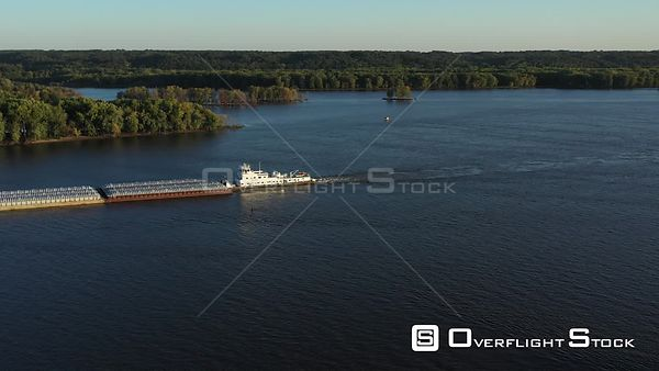 Transporting freight on the Mississippi River, Muscatine, Iowa, USA