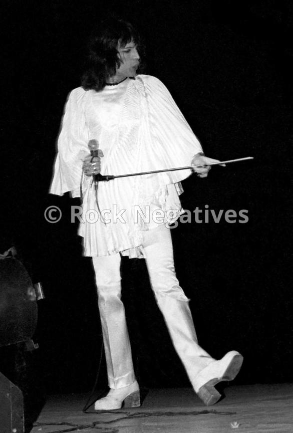 JH_QUEEN_19740507_NYC_URISTHEATRE_35mm_Negatives-Mott_the_Hoople_and_Queen-029