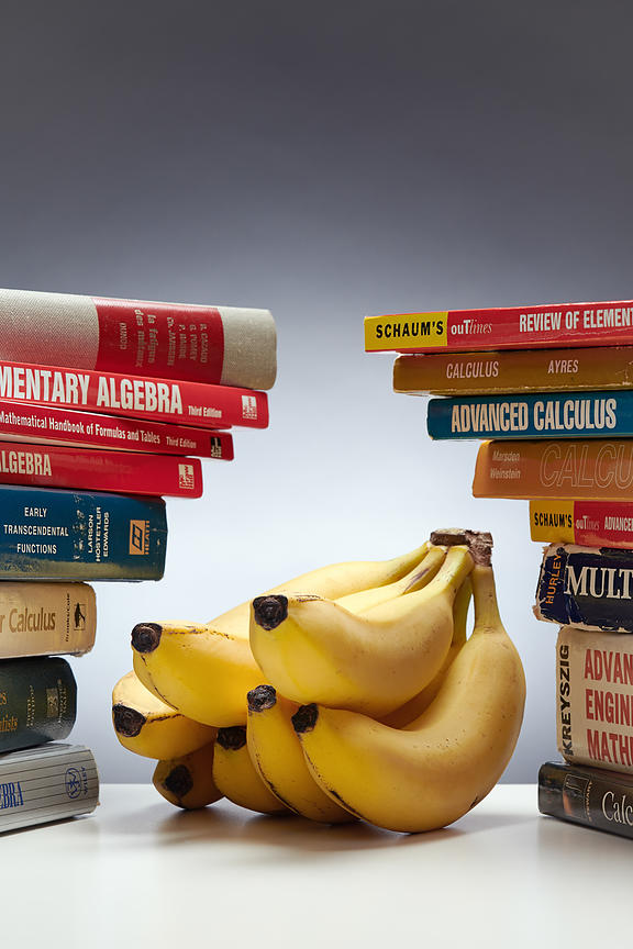Montreal editorial photographer, bananas and books, magazine