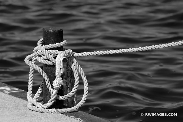 MARINE ROPE JACKSON HARBOR WASHINGTON ISLAND DOOR COUNTY WISCONSIN BLACK AND WHITE