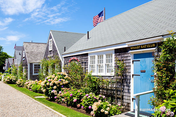 QUAINT HOUSES ON NANTUCKET ISLAND MASSACHUSETTS